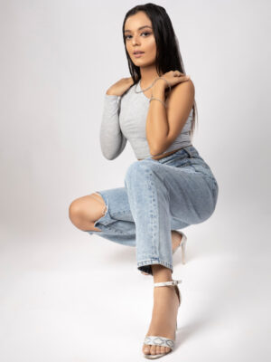 Loose Ripped Mom Jeans